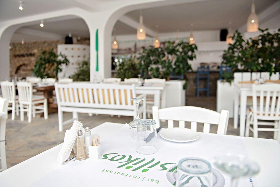 vasilikos-mykonos-restaurant-gallery-interior-13
